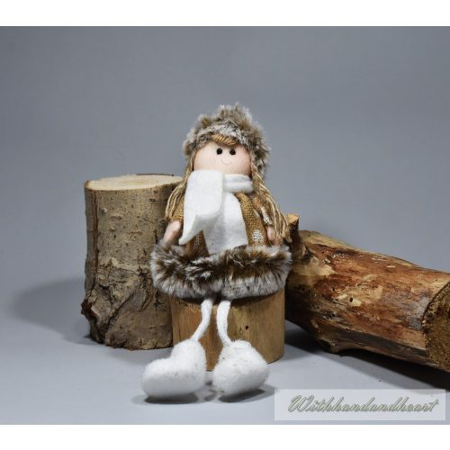 Gyerek barna téli ruciban, 12cm karácsonyi dekoráció
